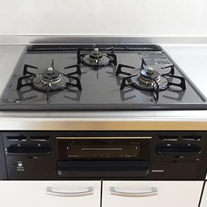 キッチン:グリル付三口ガスビルトインコンロ