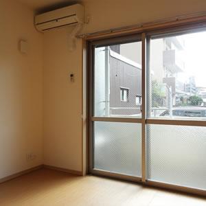 LDK|南側の窓からたっぷり陽が入ります