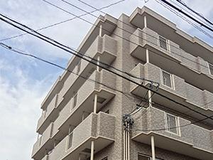 建物の南側は、2階建て以下の一般住宅です。また十分な空間があり、たっぷりと光が入ります。